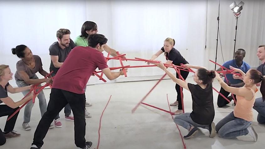 Leonardos Brücke | Zusammenarbeit trainieren
